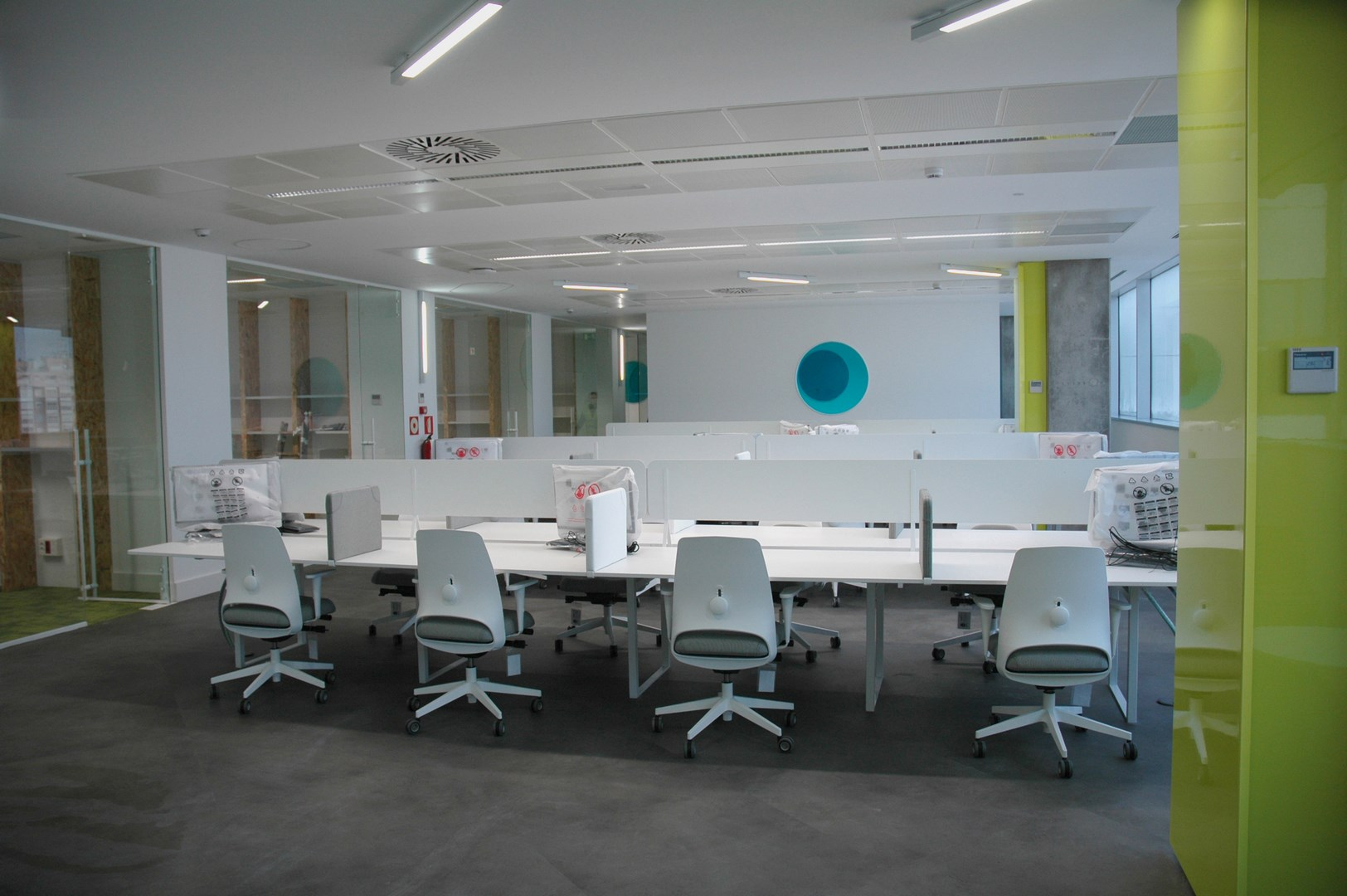 Offices, open-space furnishings