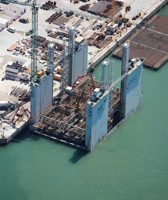 The container terminal in the Port of Cádiz