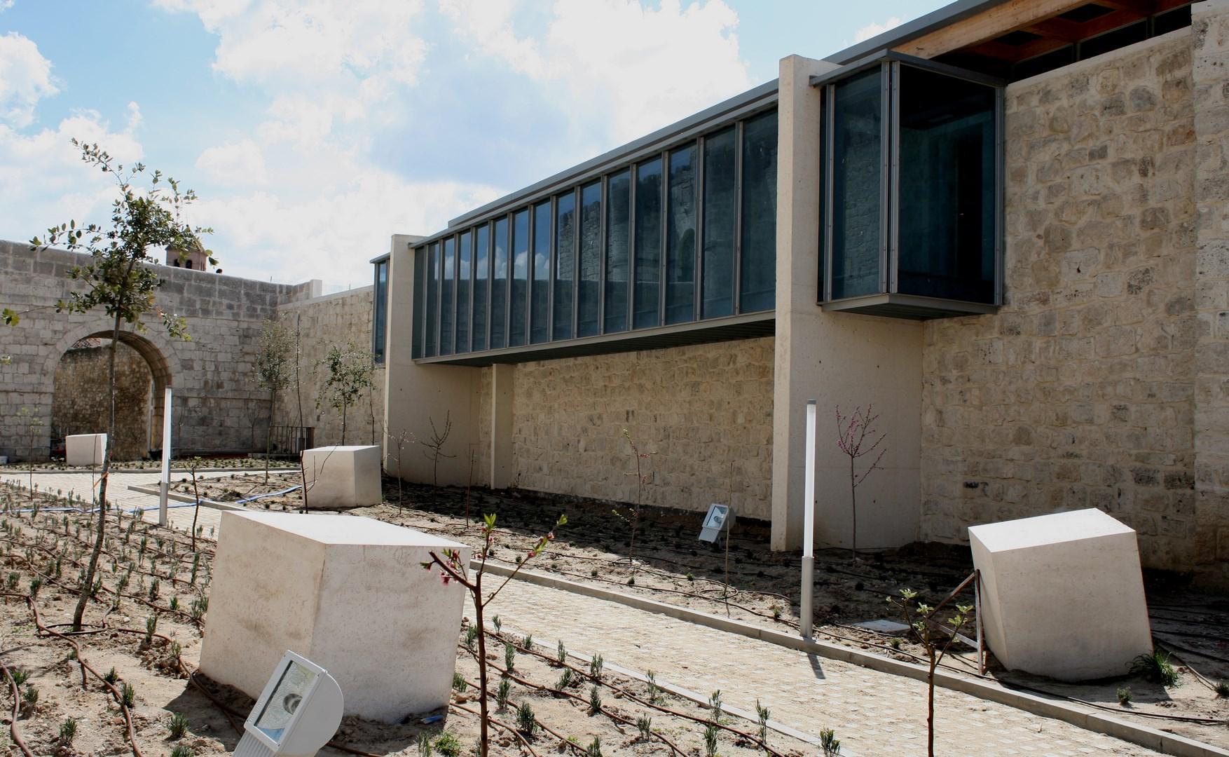 SIMANCAS vista fachada lateral