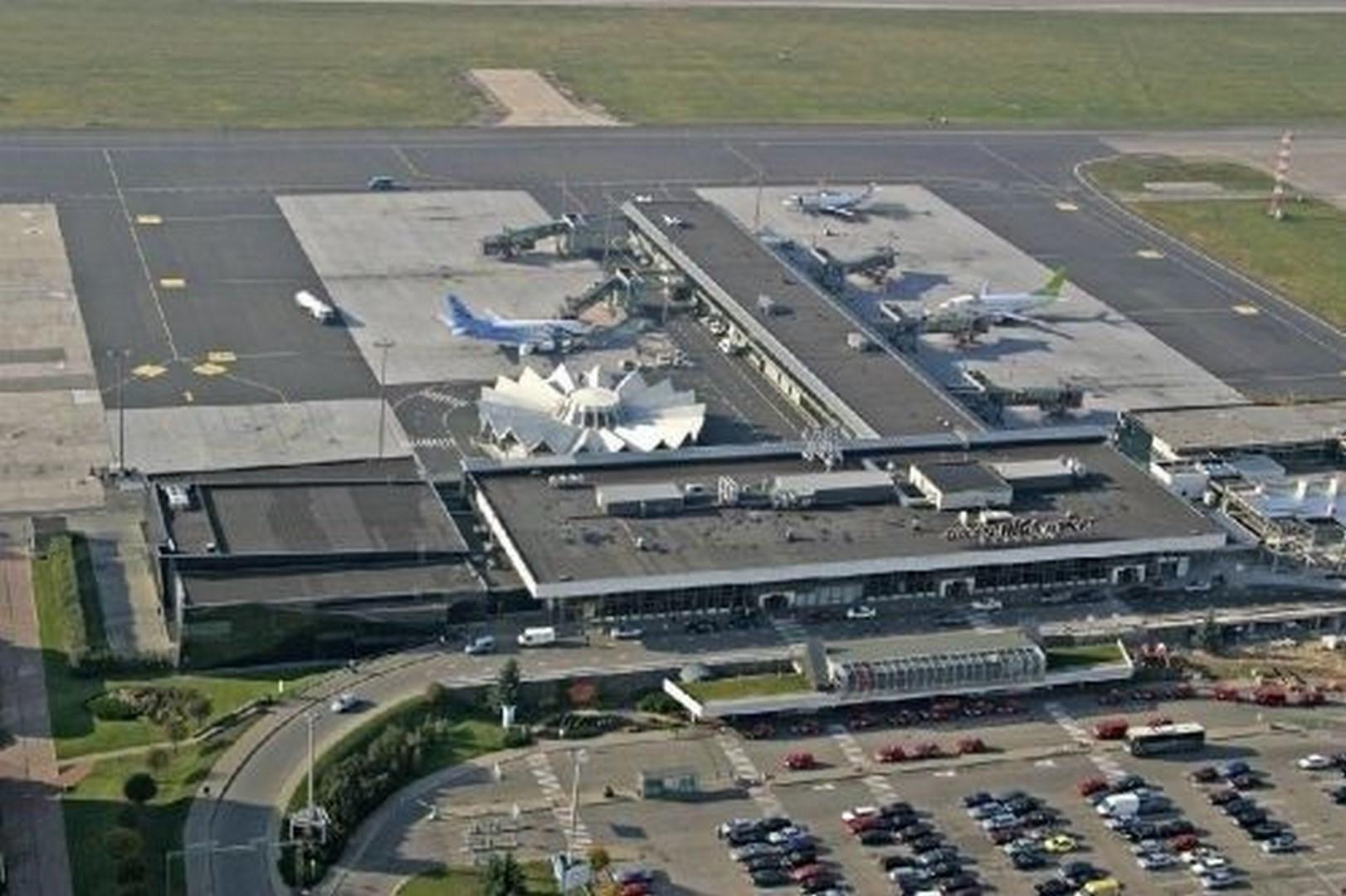 Vista aérea del aeropuerto de Riga