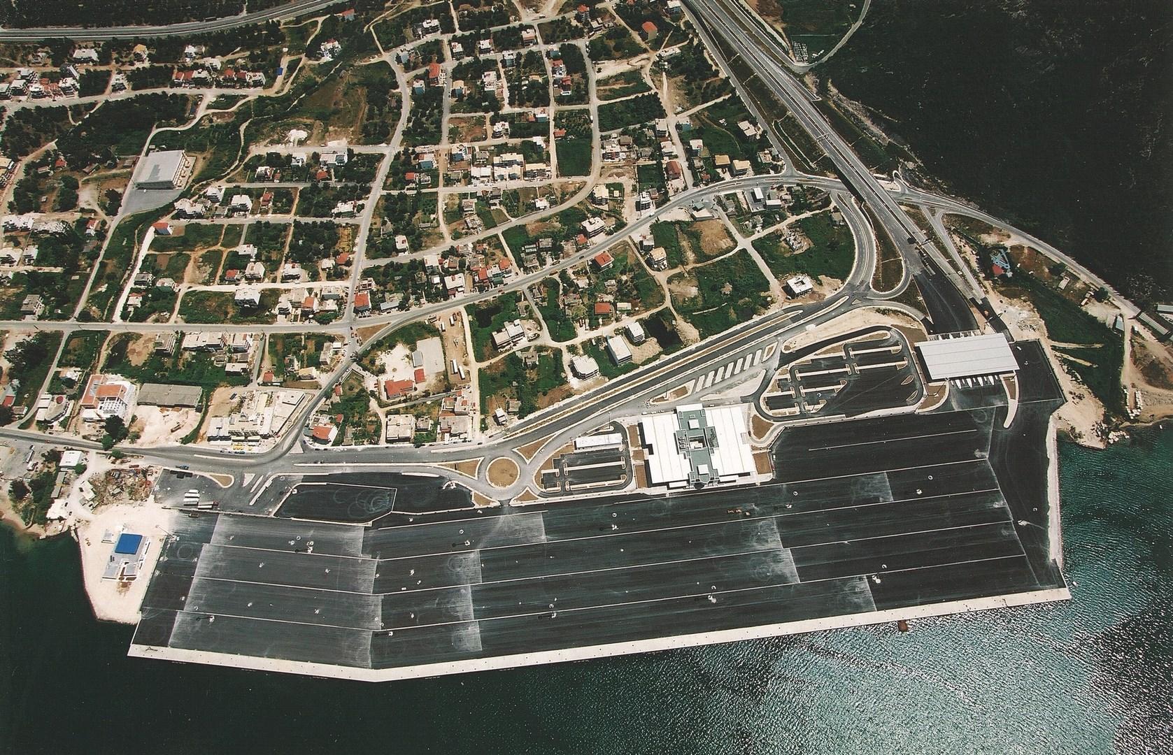 Vista aérea del Puerto de Igoumenitsa en Grecia