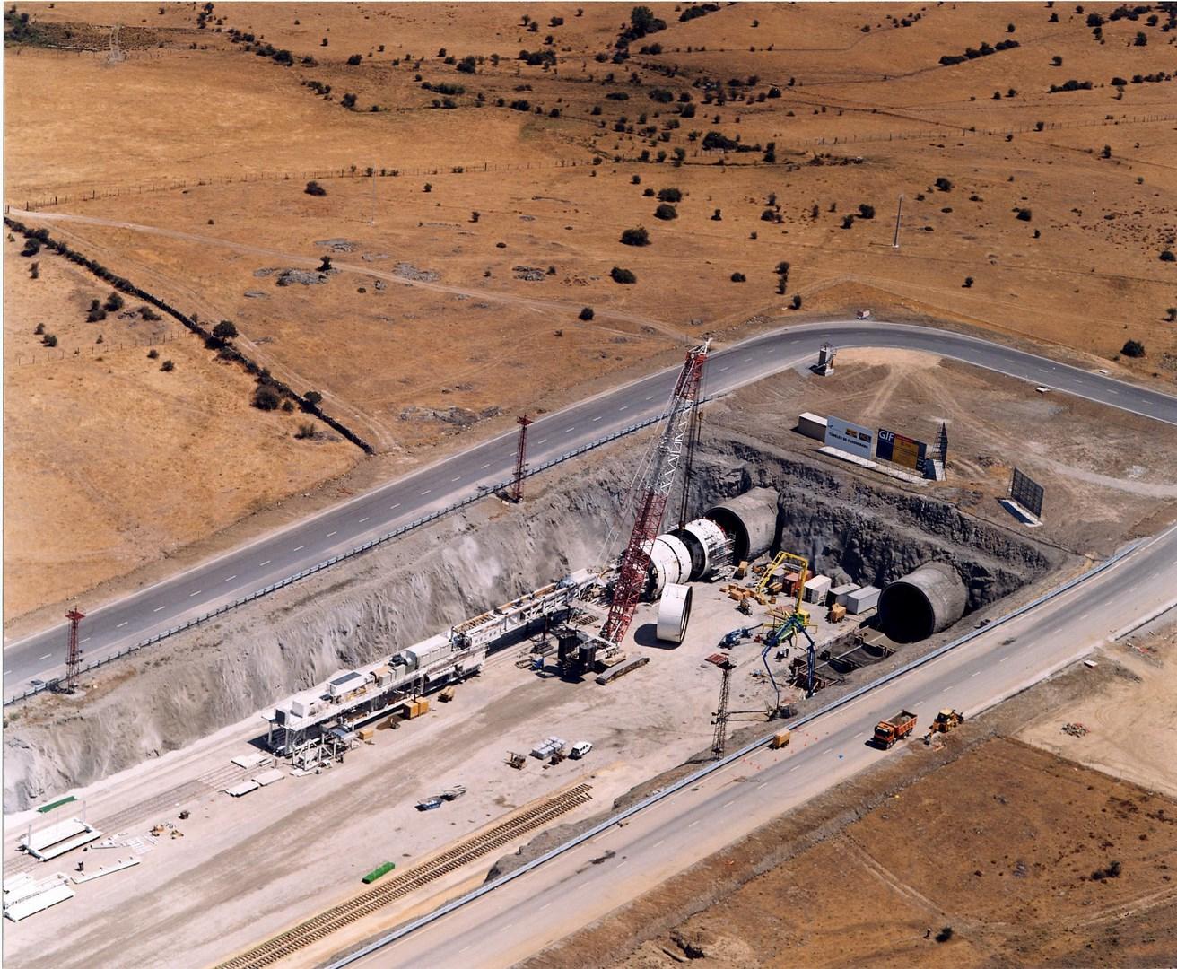 Foto aérea de acceso al túnel