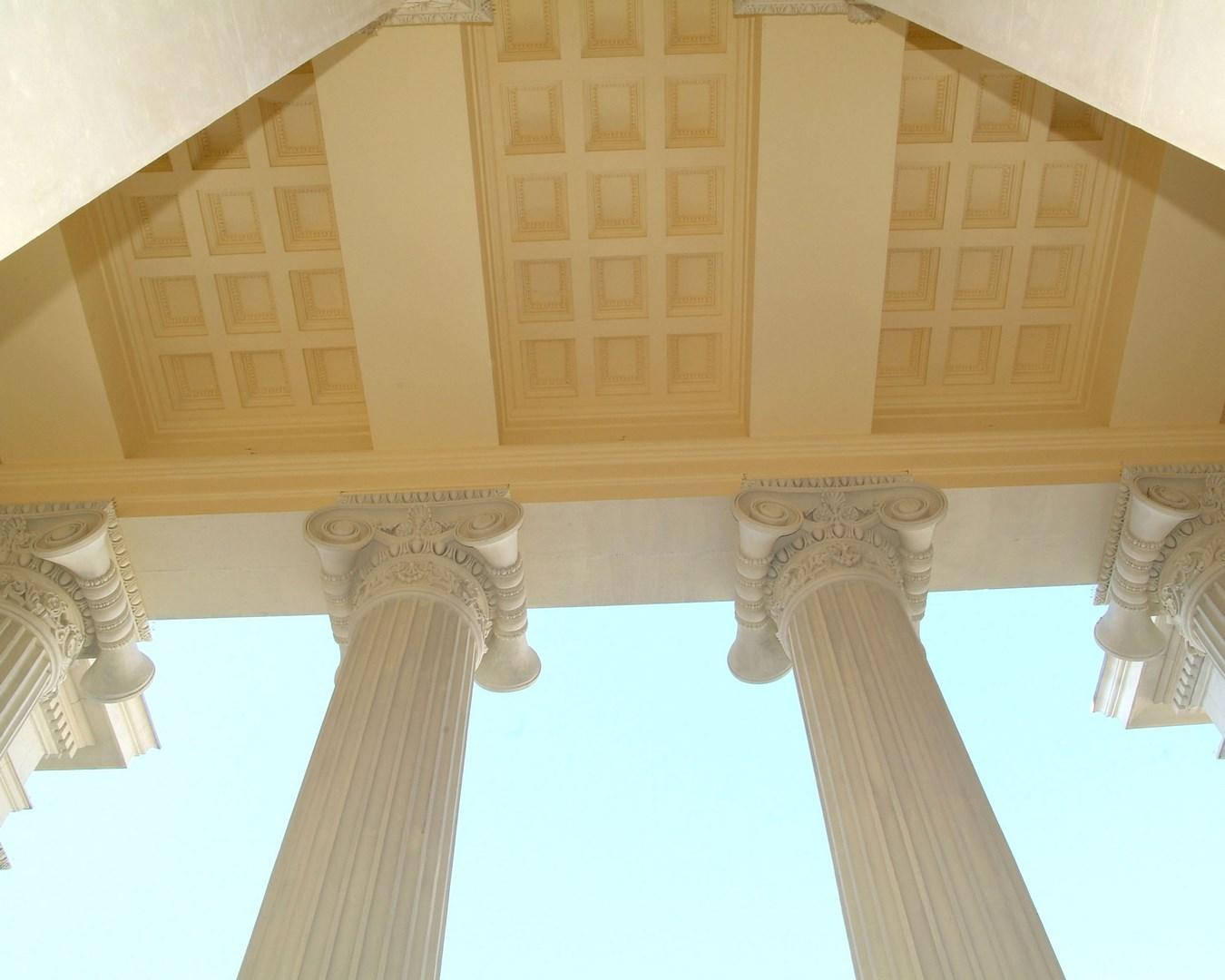 Vista interna fachada próstila