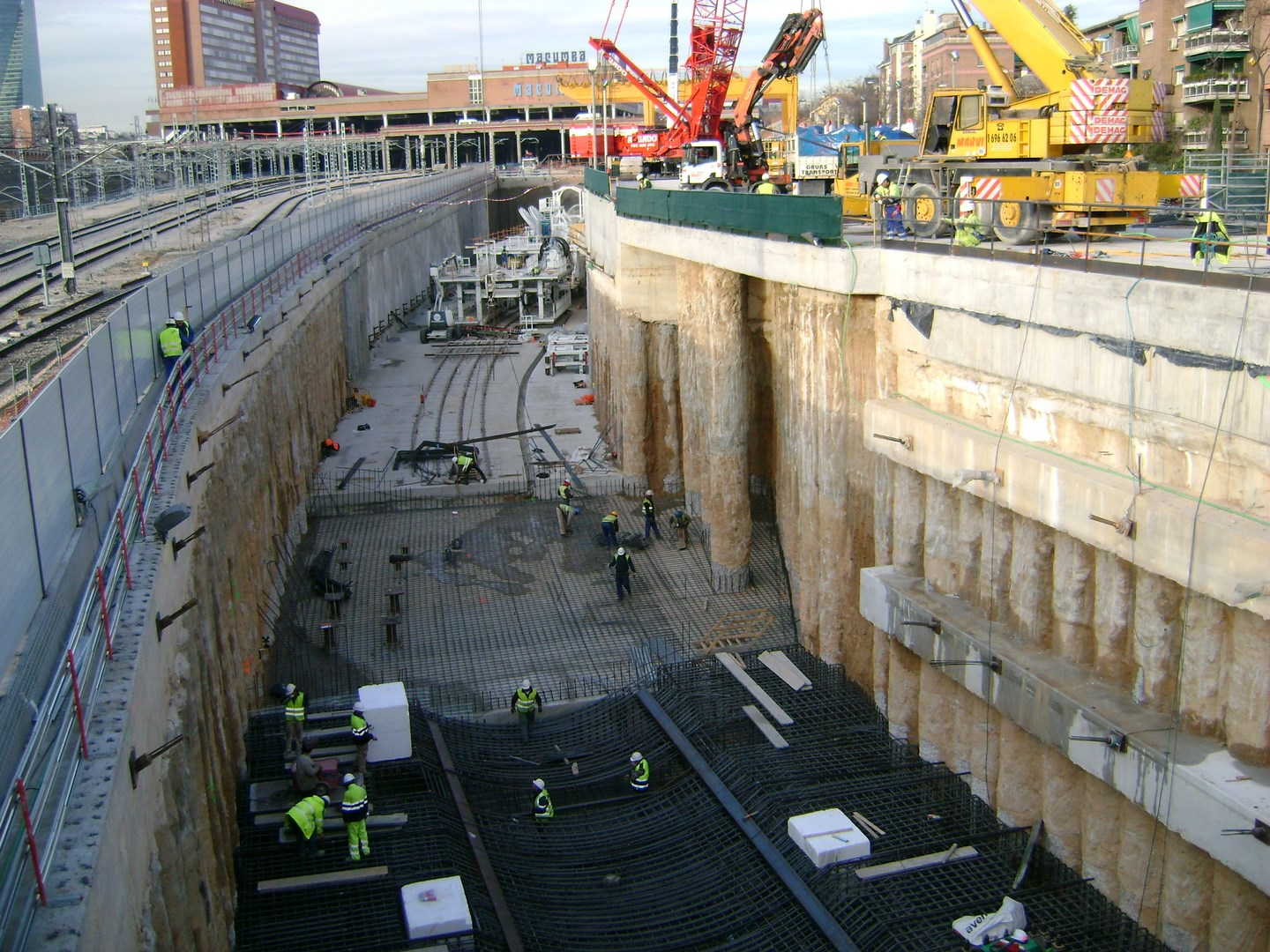 Construction of the AVE tunnel at Chamartin