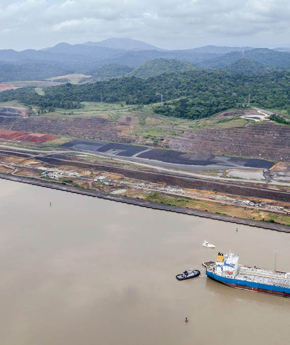 Access to the Pacific Ocean in the Panama Canal- Pac 4