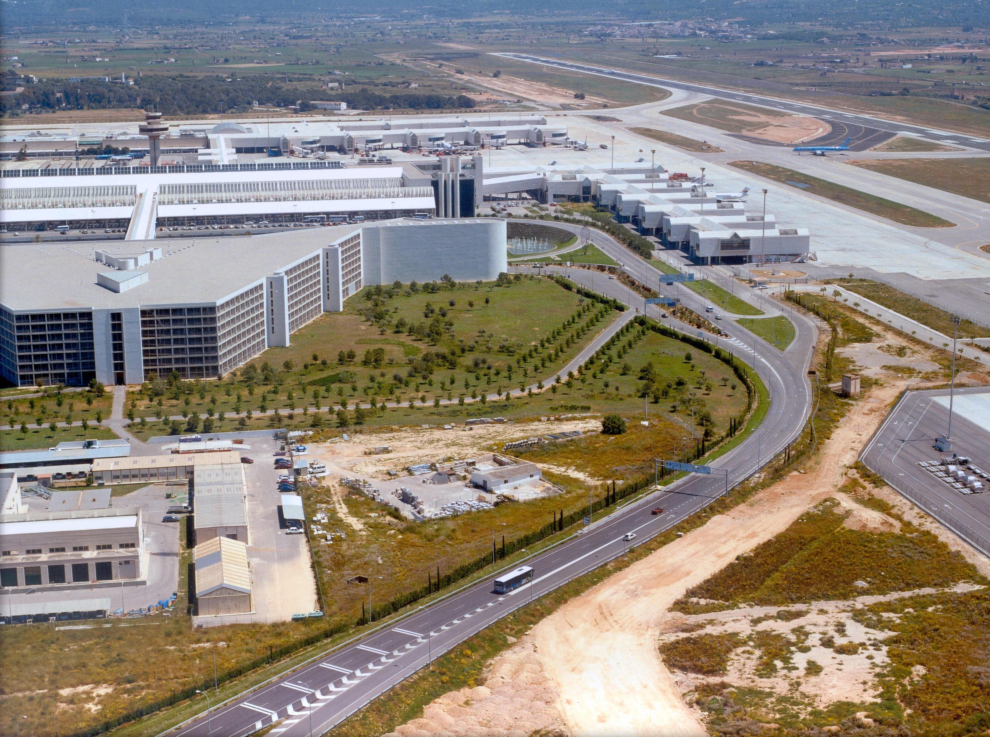 vista aérea lateral aeropuerto Palma Mallorca