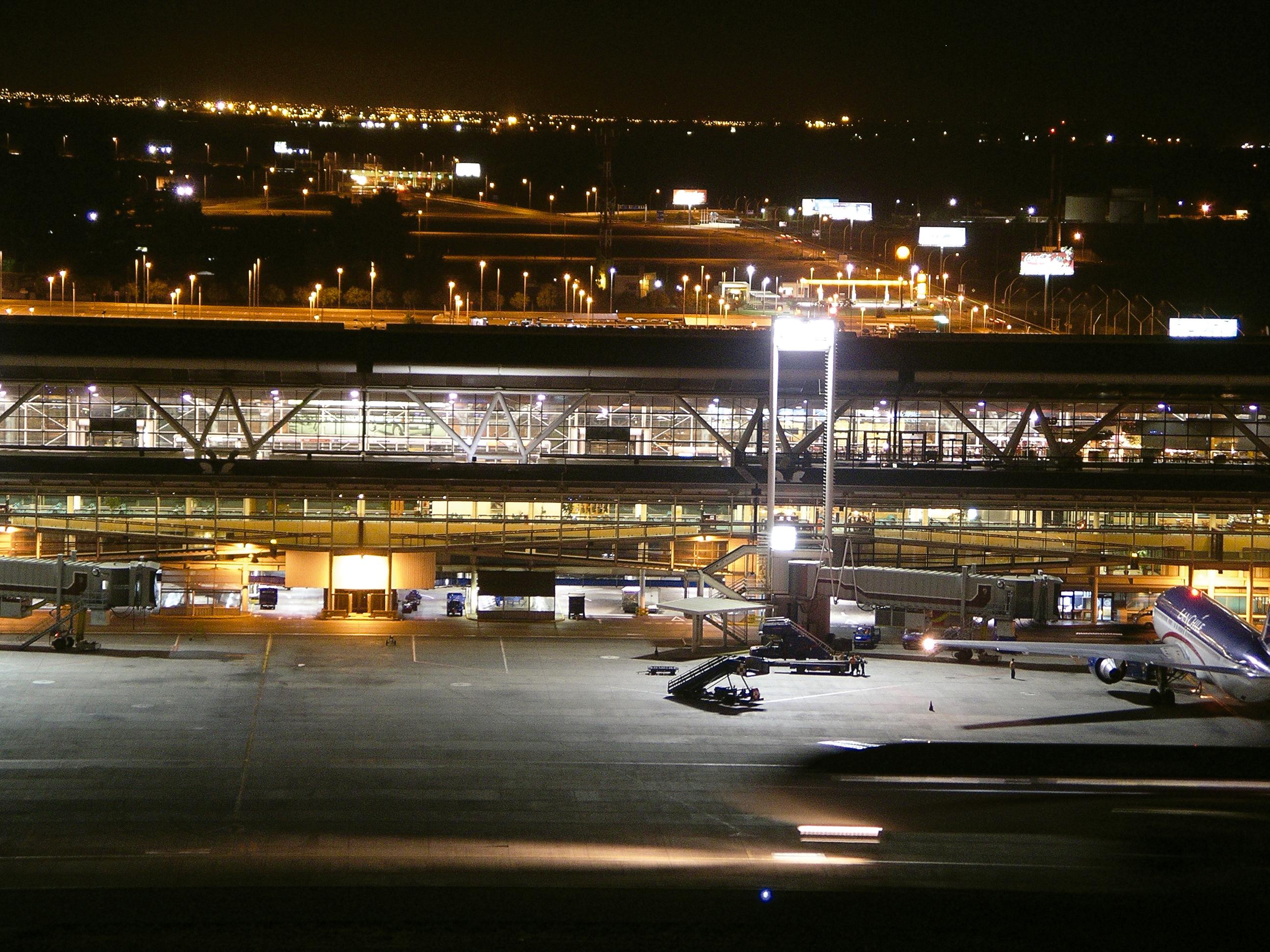 Aeropuerto de Chile nocturna