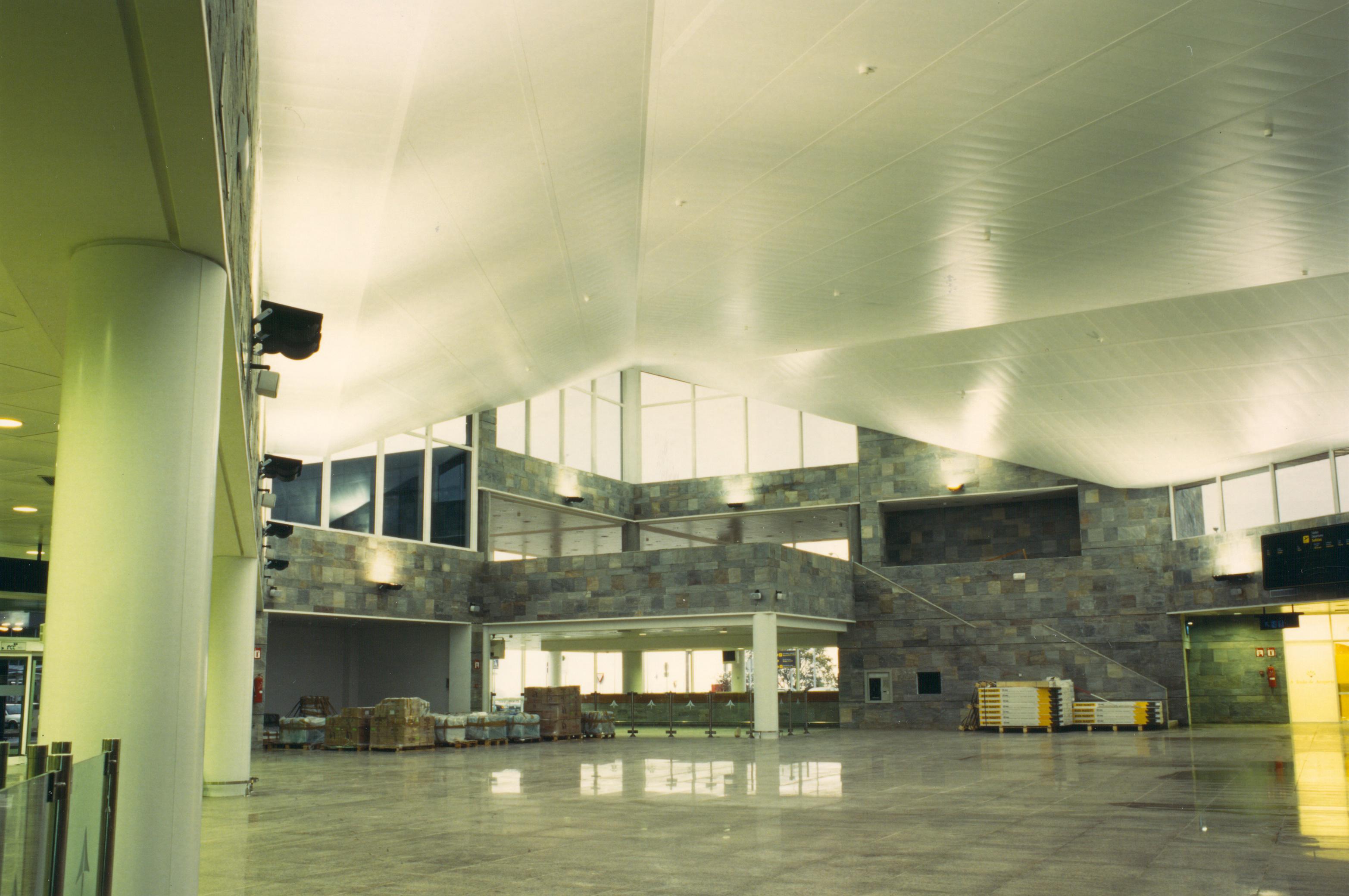 interiores aeropuerto la Coruña