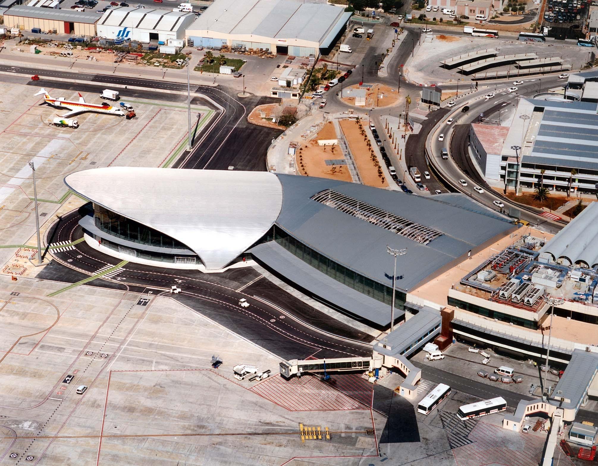 Terminal de Aviación Regional.Aeropuerto de Valencia