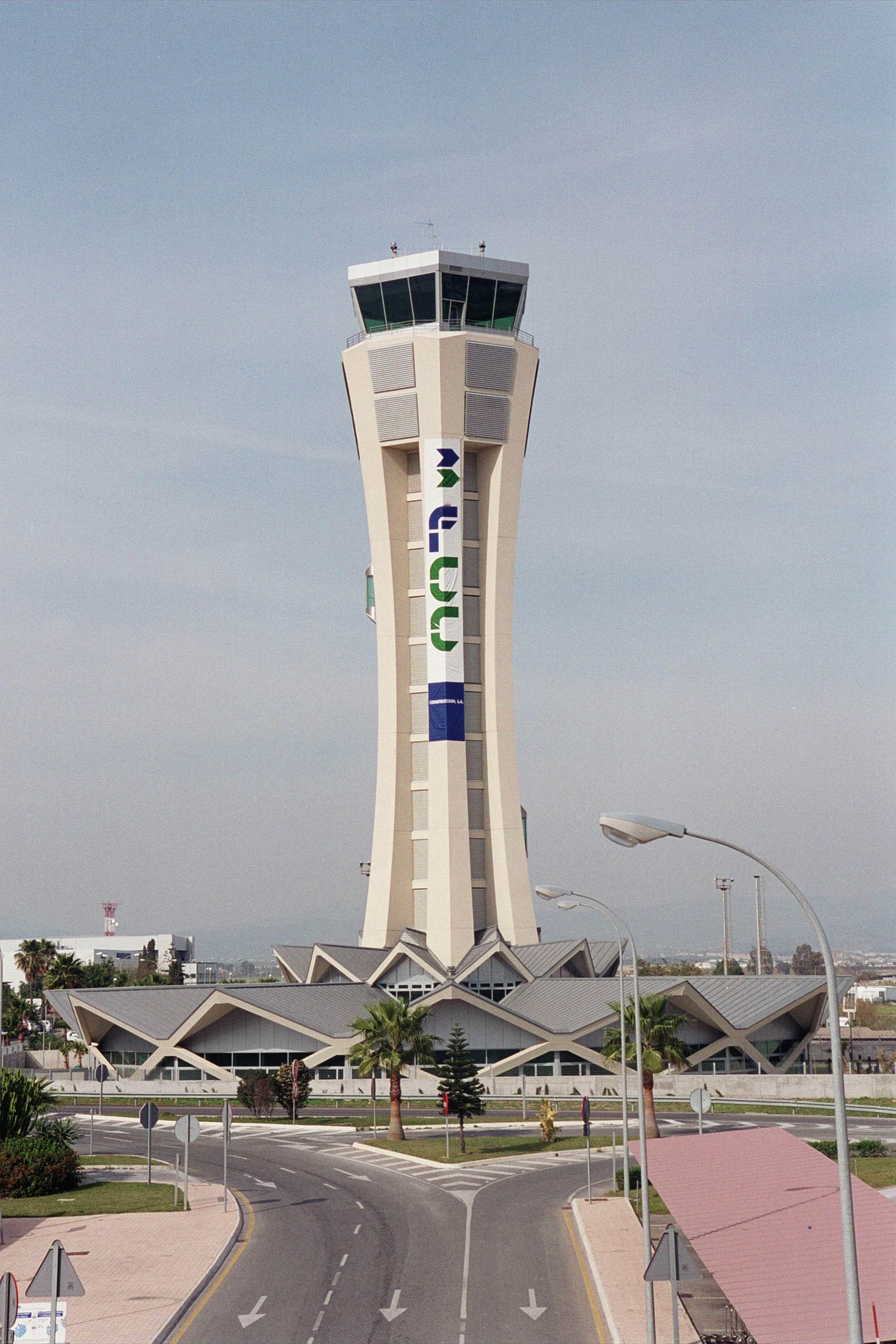 torre control aeropuerto Málaga