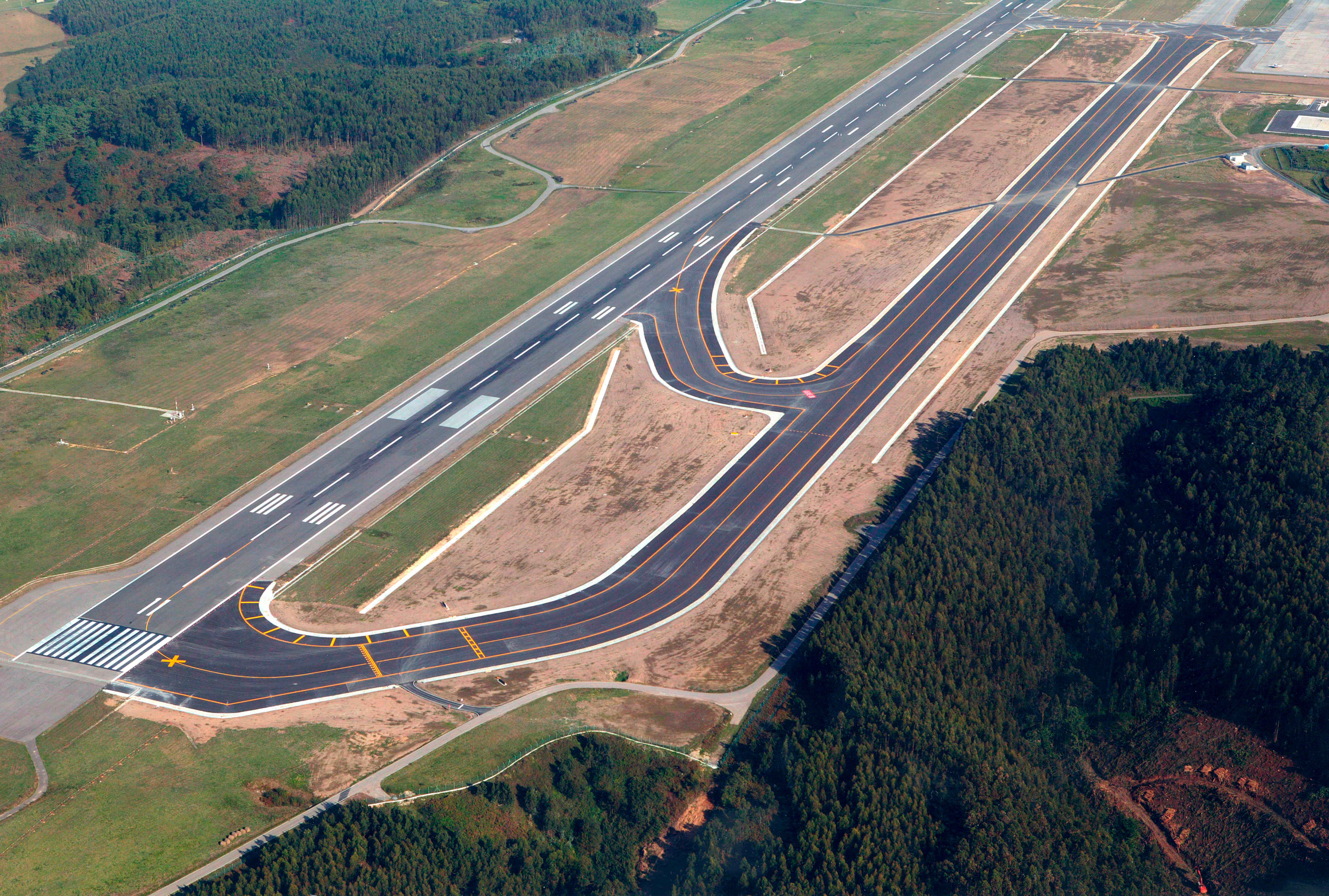 Aeropuerto Asturias Rodadura vista aerea