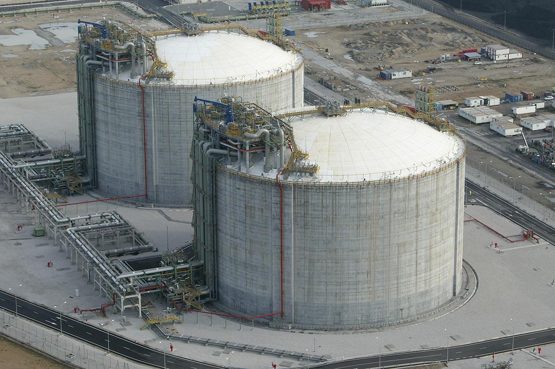 tanques almacenamiento Gas Natural Licuado Planta ENAGAS Barcelona